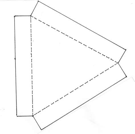 moldes de cajas de regalo triangulares para imprimir carton y papel cajas triangulares carton y papel