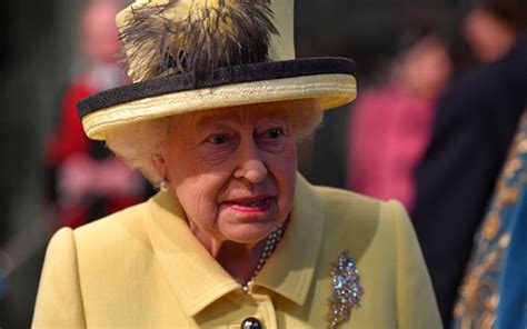 queen elizabeth queen authorises british prime minister to begin brexit