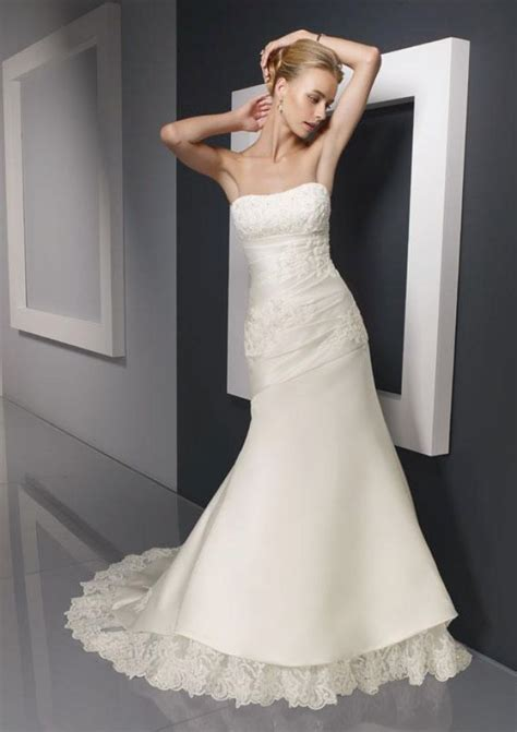 Bridal Gowns Petite Brides   Best wedding dresses for