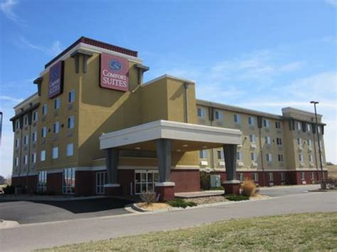 comfort suites wichita kansas comfort suites airport wichita kansas hotel motel