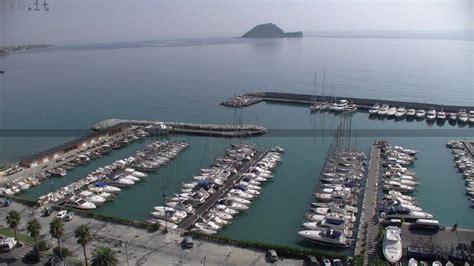 porto di alassio bandiere per gli approdi turistici premiati sei porti