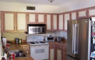 Kitchen Cabinets Two Colors Two Toned Kitchen Cabinets Gotta Have It Or Make It Stop
