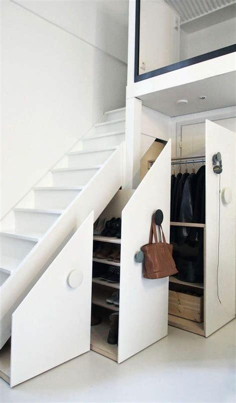 regal unter treppe 223 die besten 25 stauraum unter der treppe ideen auf