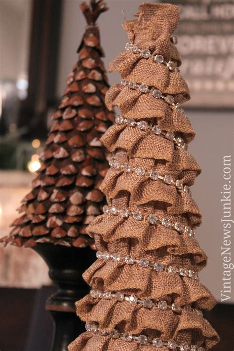 how to make a burlap christmas tree in 5 minutes easy