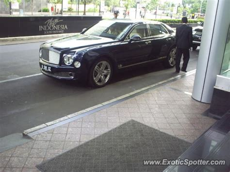bentley indonesia bentley mulsanne spotted in jakarta indonesia on 10 01 2011