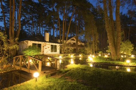 Lighting In Landscape Helpful Tips For Landscape Lighting Placement