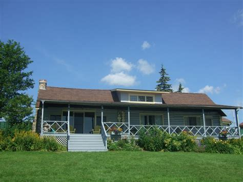 Baddeck Cottages by Baddeck Waterfront Cottage Guest House Homeaway Baddeck