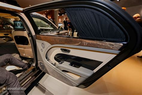bentley mulsanne extended wheelbase interior how bentley made the mulsanne ewb long wheelbase look