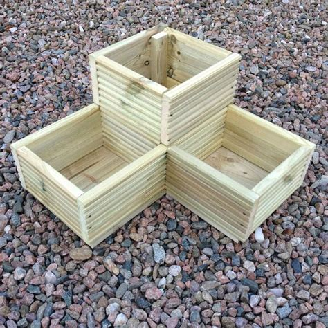 Best Wood To Use For Planter Boxes by 25 Best Ideas About Wooden Garden Planters On