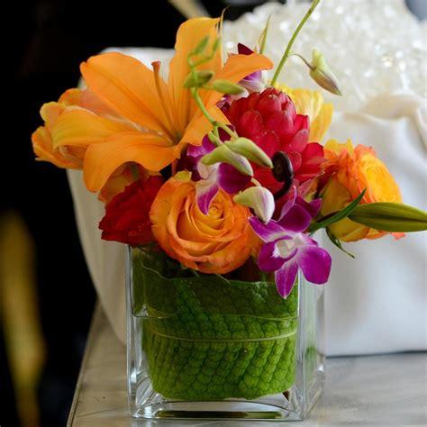 tropical flower arrangements centerpieces best 25 tropical centerpieces ideas on luau wedding tropical wedding centerpieces