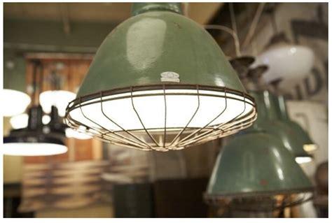 industrial looking light bulbs