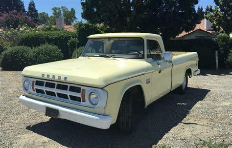 another honest truck 1969 dodge d100
