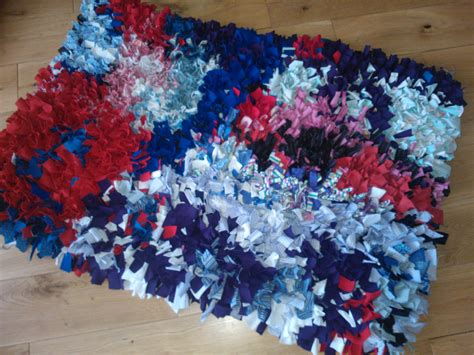 recycled material rugs recycled clothing rag rug done shabbyshe