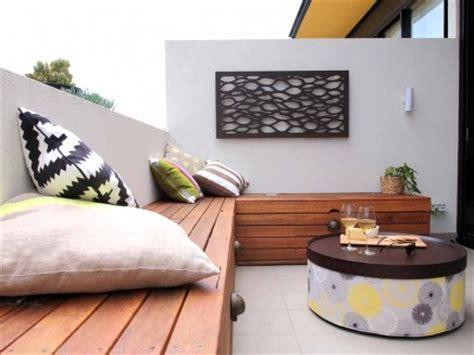 kleiner balkon einrichten kleiner balkon als erweiterung kleinen wohnzimmer