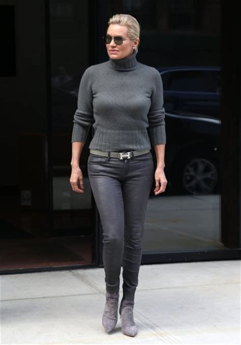 what size dress does yolanda foster wear yolanda hadid turtleneck clothes lookbook stylebistro
