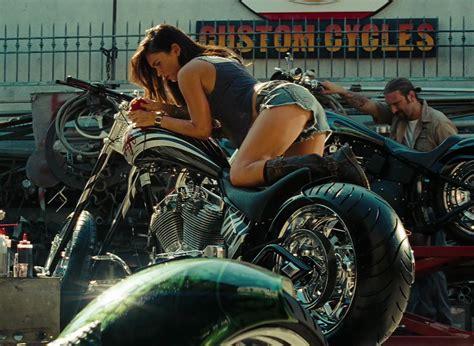 Megan Fox Transformers Motorrad rule 5 tuesday michael bay the norte line