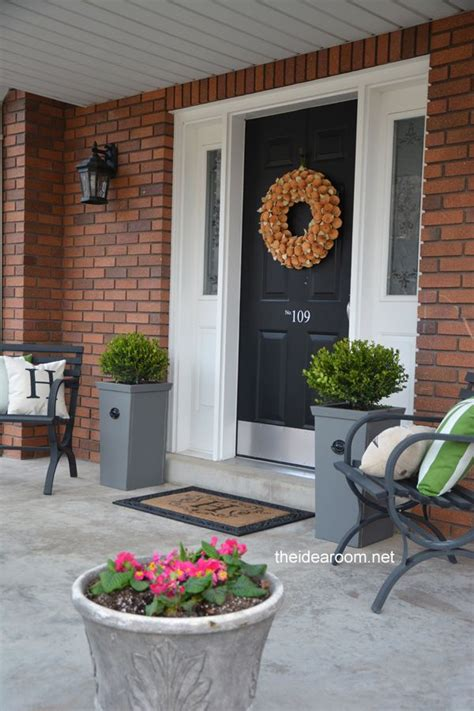 Planter Ideas For Front Of House by Diy Planter For The Home