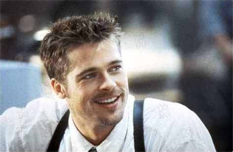 brad pitts haircut in seven os looks dos personagens de brad pitt