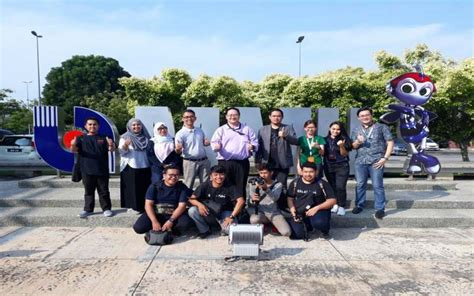 film university malaysia fikom umb produksi film dokumenter bersama multimedia
