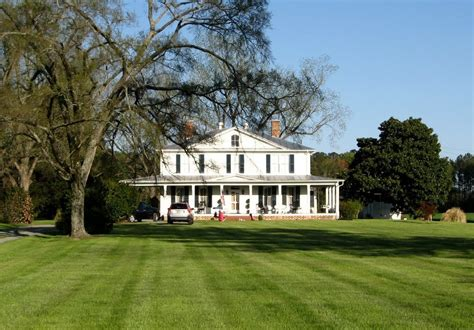 colonial farmhouse with wrap around porch panoramio photo of colonial style house wrap around