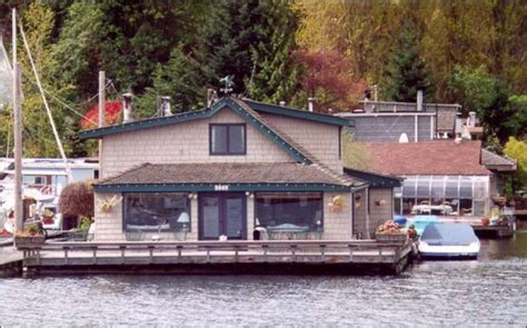 sleepless in seattle house sleepless in seattle houseboat for sale tom hanks not included seattlepi com