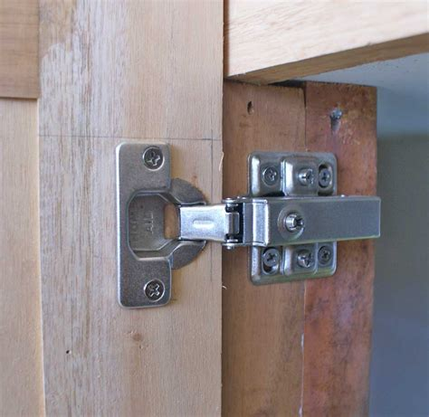 Kitchen Cabinet Hinges Decobizz Com Installing Kitchen Cabinet Doors