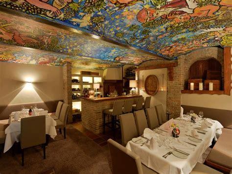 schicke restaurants stuttgart schickes restaurant mit g 228 stezimmern in d 252 sseldorf mieten