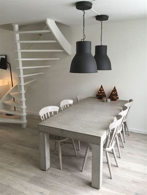 ikea hektar le simple betonnen tafel met zet opgeknapte stoeltjes len