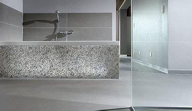 epoxy badezimmerboden gietvloer badkamer