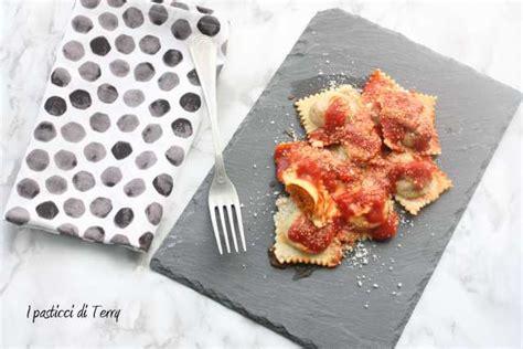 ravioli di zucca mantovani pasta fresca ravioli mantovani di zucca i pasticci di