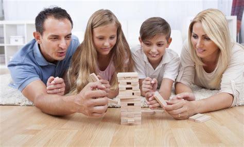imagenes de hijos inteligentes 5 razones para jugar juegos de mesa con los hijos imujer