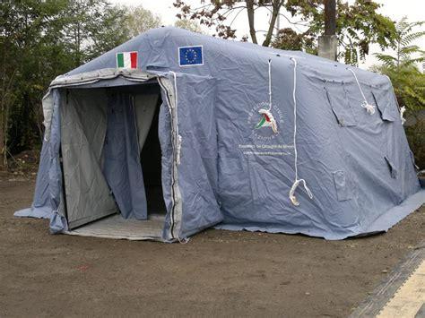 tenda protezione civile protezione civile pubblica assistenza croce viola cesate