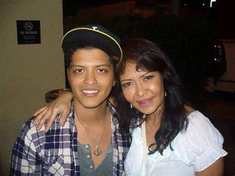 Bruno Mars Biography Mother | bruno and his mom love for his mom makes me love him