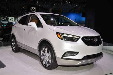 buick encore review and rating motor trend 2017 buick encore first look review motor trend