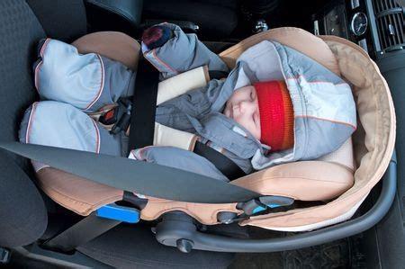 Kindersitz Auto Unfall by Den Kindersitz Im Auto Richtig Positionieren Auto Und