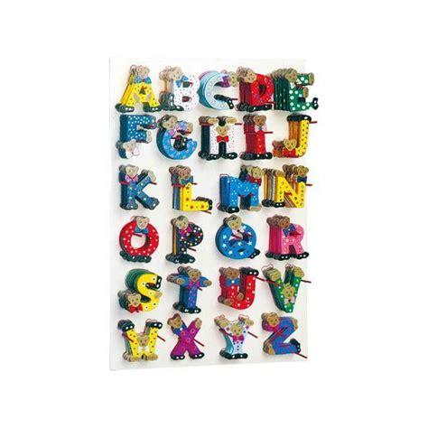 kinderzimmer deko teddy justletters bunte holzbuchstaben mit teddys