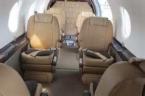 file pilatus pc 12 interior cabin jpg wikimedia commons