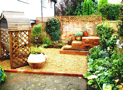 Simple Garden Ideas For Backyard Simple Garden Design Ideas For Spacious Backyard Goodhomez
