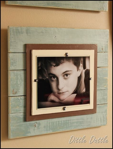 diy poster frame stunning and pallet picture frame pallets designs
