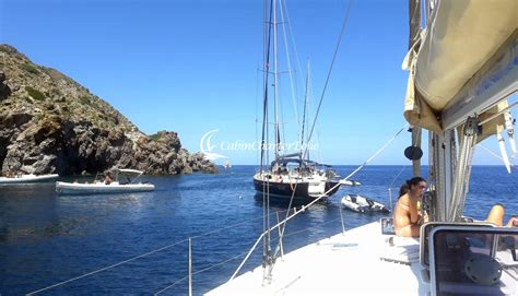 cabin charter eolie perch 232 fare una vacanza in barca a vela cabin charter eolie