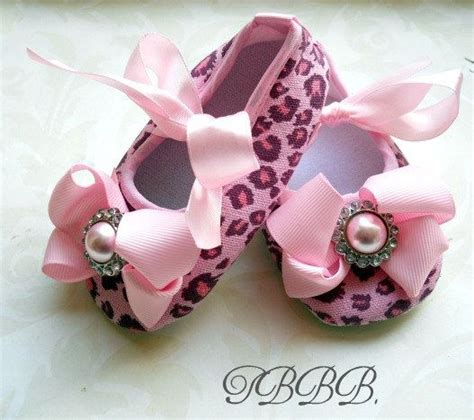 pink leopard print baby crib shoes by