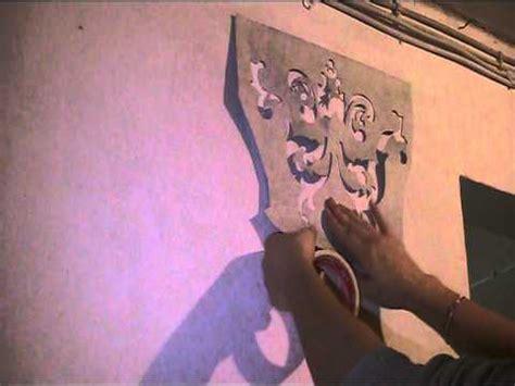 schablone wandmalerei anleitung und vorlage malen mit schablone aus tapeten