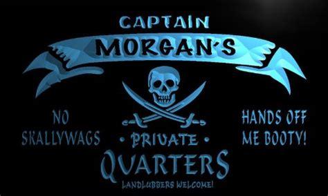 Skulls Illusion Hardshell For Iphone 4 4g 4s pw508 b s captain quarters skull bar