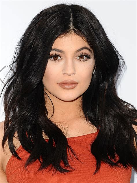 name for color on hair when dark on top blonde on bottom kylie jenner s hair colors see every shade she has worn