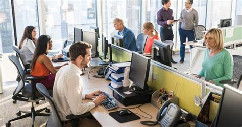 Office For Employees by The Changing Day Of The American Worker Bankrate