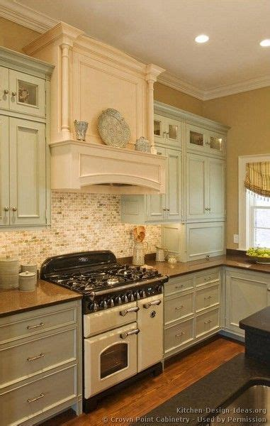 vintage kitchen tile backsplash best 25 vintage kitchen ideas on pinterest cozy