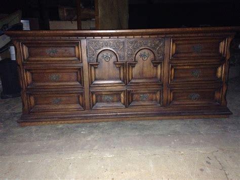 antique oak bedroom furniture i have a queen link taylor solid oak bedroom suite that i