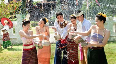 songkran festival thai new year the songkran festival ghcoptions