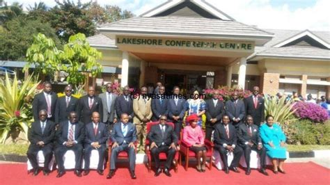 malawi cabinet ministers live in and speak