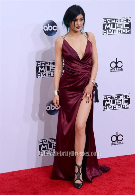 Taylor Carpet Tools by Kylie Jenner Burgundy Evening Dress American Music Awards
